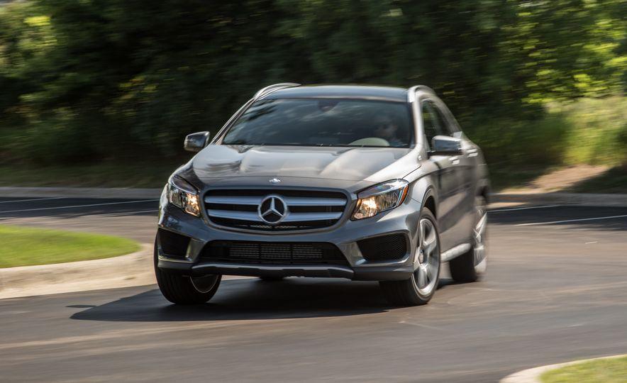 2016 Mercedes-Benz GLA250 - Slide 16