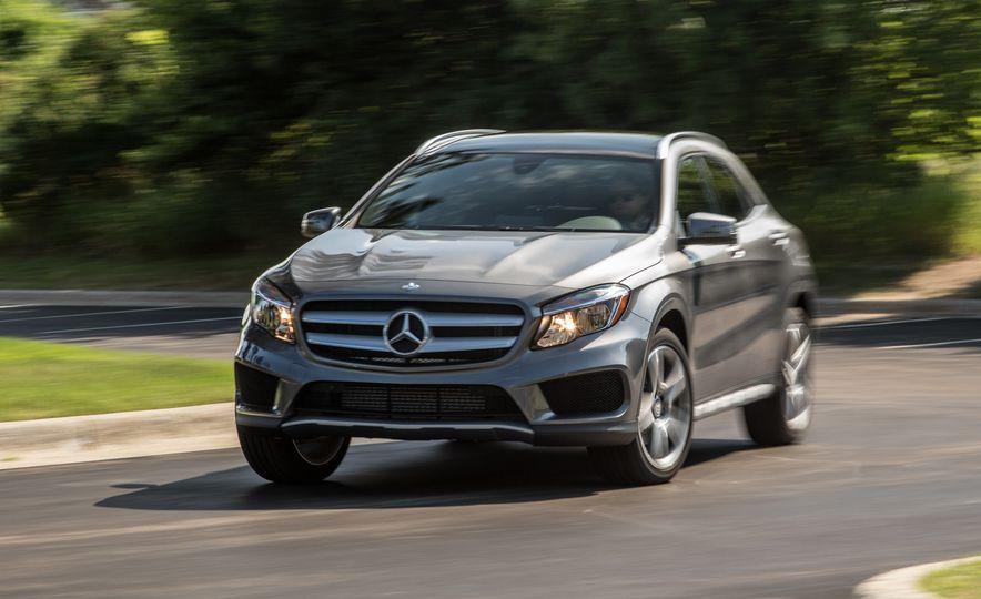 2016 Mercedes-Benz GLA250 - Slide 17