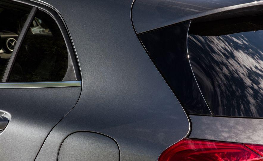 2016 Mercedes-Benz GLA250 - Slide 27