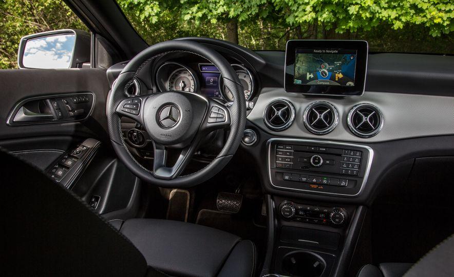 2016 Mercedes-Benz GLA250 - Slide 36