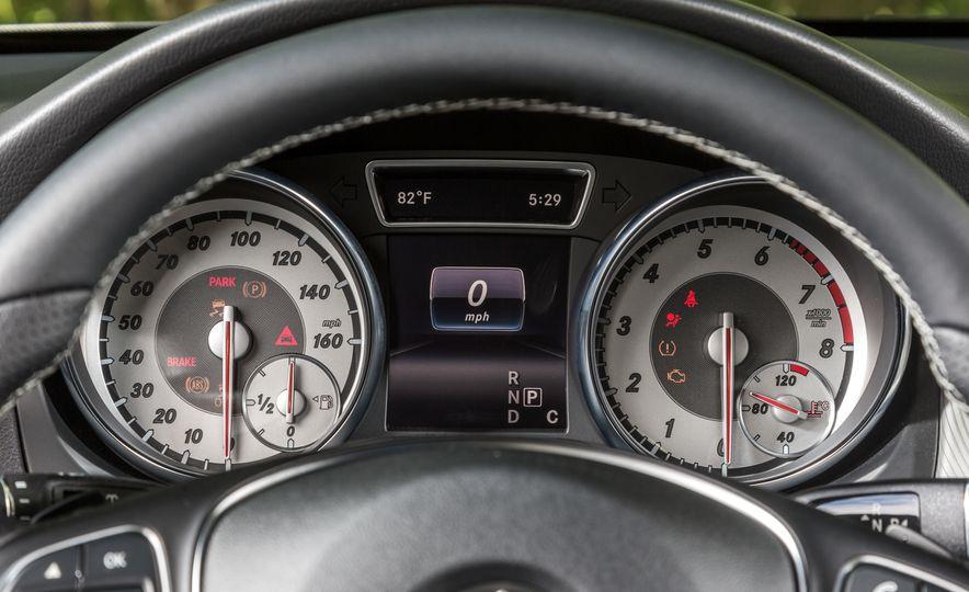 2016 Mercedes-Benz GLA250 - Slide 42
