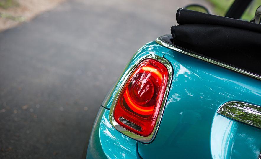 2016 Mini Cooper convertible - Slide 28