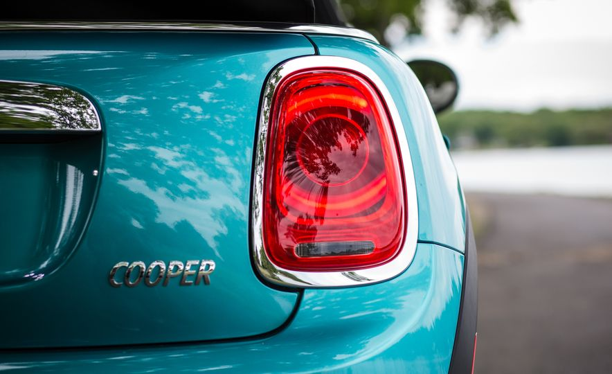 2016 Mini Cooper convertible - Slide 30
