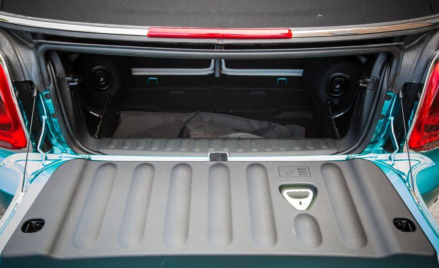 2016 Mini Cooper convertible - Slide 35