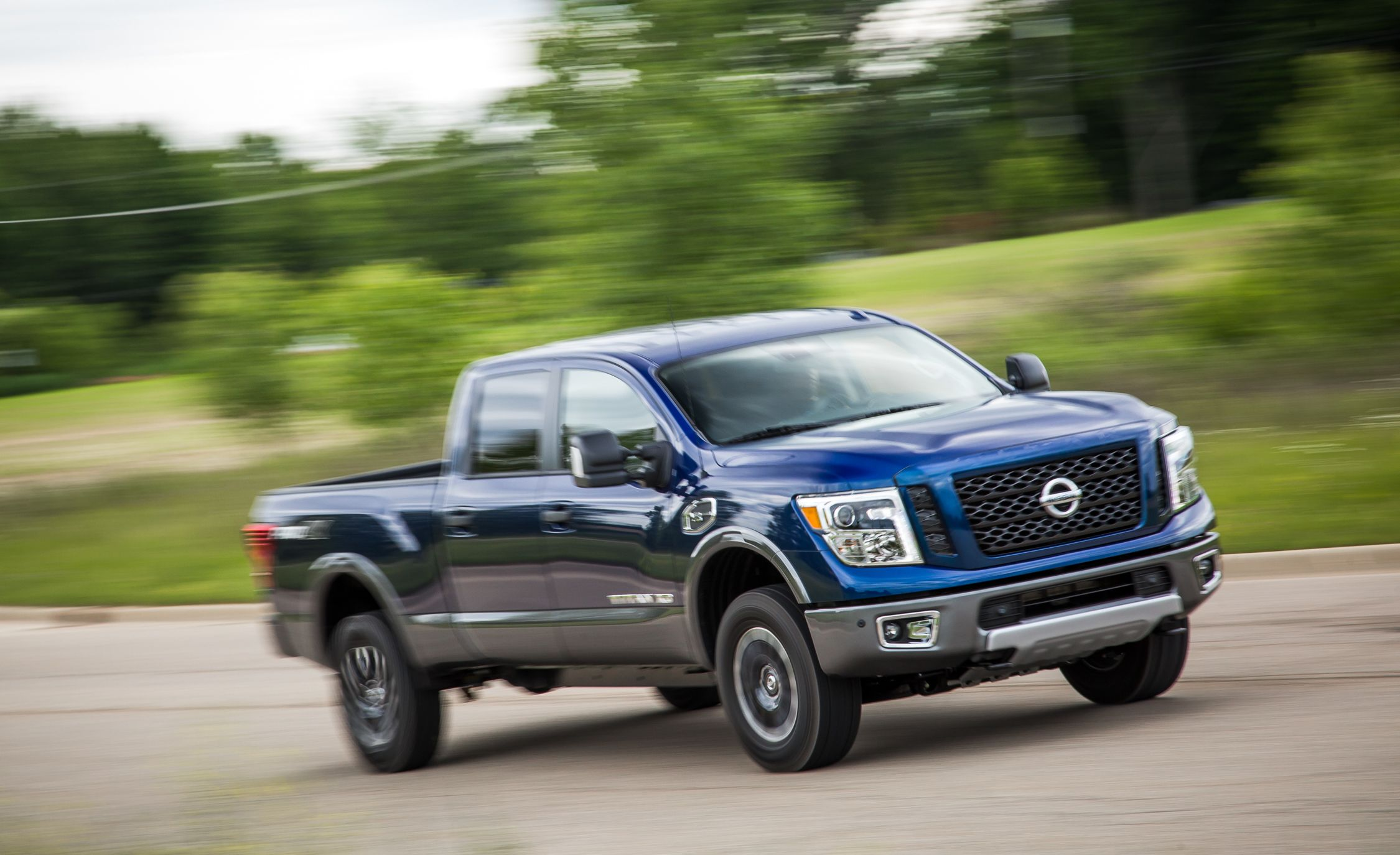Nissan Titan Xd Reviews Nissan Titan Xd Price Photos And Specs