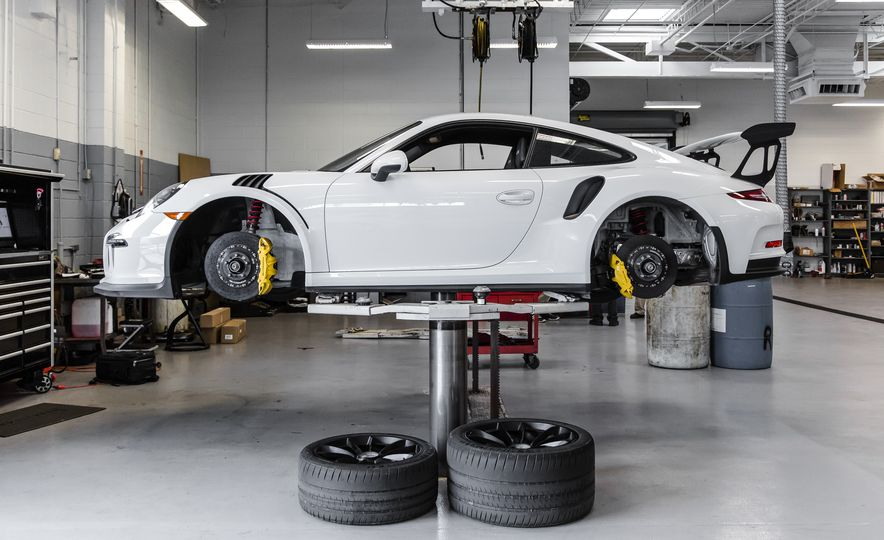 Porsche 911 GT3 RS Tech Dive: Why It's the Best 911 of Them All - Slide 1