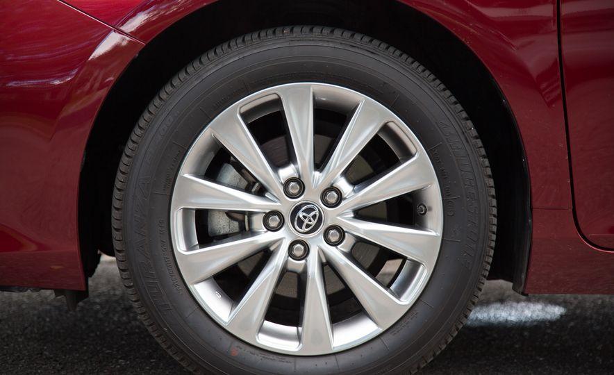 2016 Toyota Camry - Slide 14