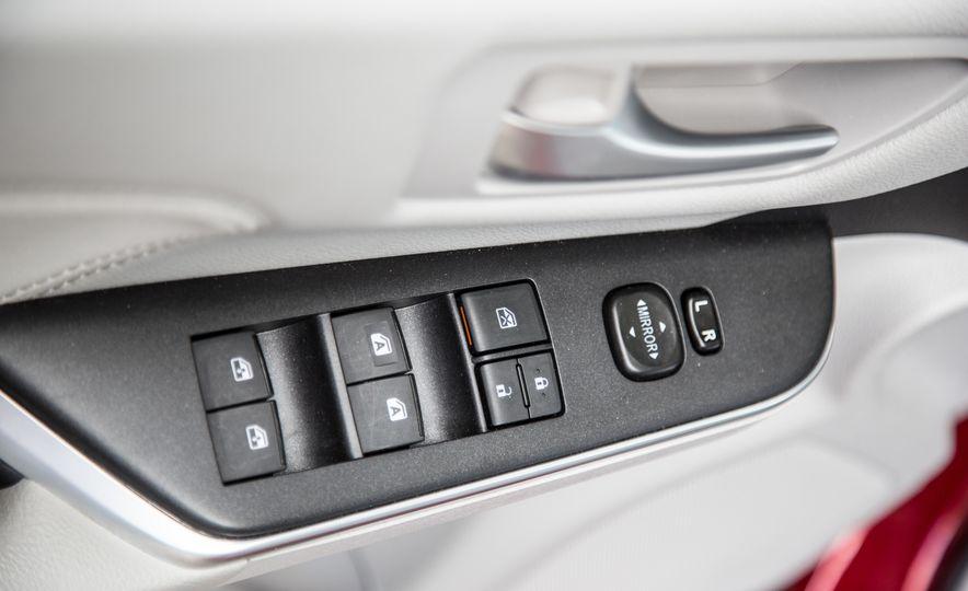 2016 Toyota Camry - Slide 32