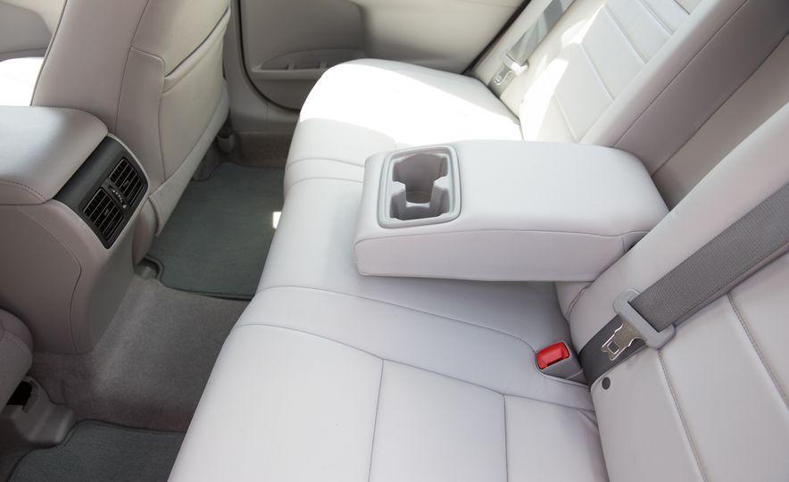 2016 Toyota Camry - Slide 35
