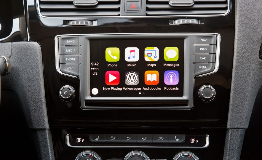 connectivity now the 10 cheapest cars with apple carplay. Black Bedroom Furniture Sets. Home Design Ideas