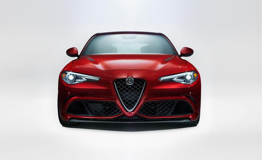 2017 Alfa Romeo Giulia Quadrifoglio - Slide 1