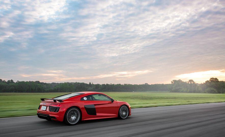 2017 Audi R8 V-10 Plus - Slide 6