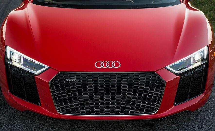 2017 Audi R8 V-10 Plus - Slide 11