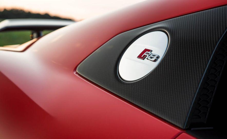 2017 Audi R8 V-10 Plus - Slide 18