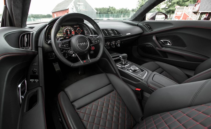 2017 Audi R8 V-10 Plus - Slide 25