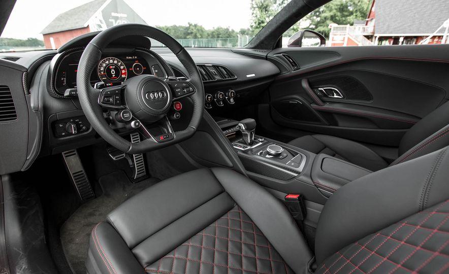 2017 Audi R8 V-10 Plus - Slide 26