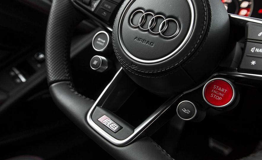 2017 Audi R8 V-10 Plus - Slide 34