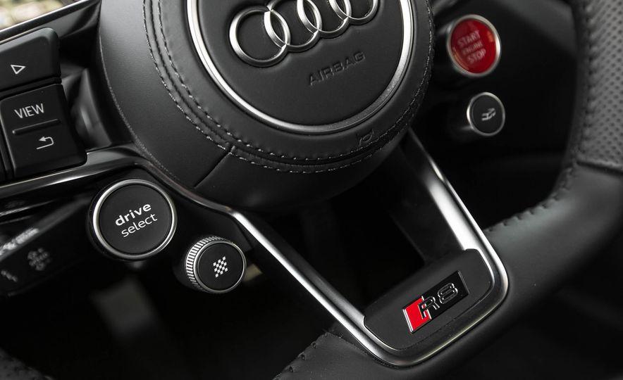 2017 Audi R8 V-10 Plus - Slide 35