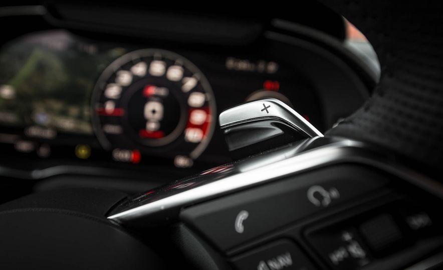 2017 Audi R8 V-10 Plus - Slide 36