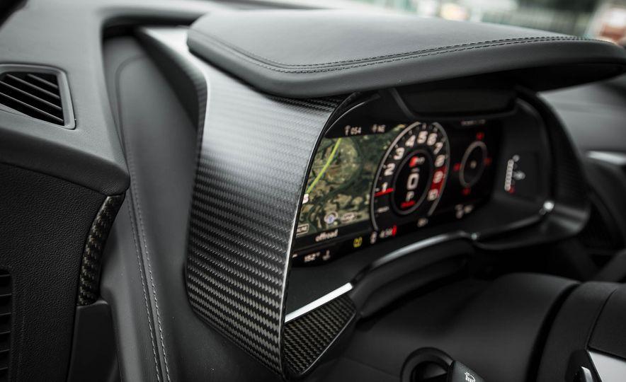 2017 Audi R8 V-10 Plus - Slide 37