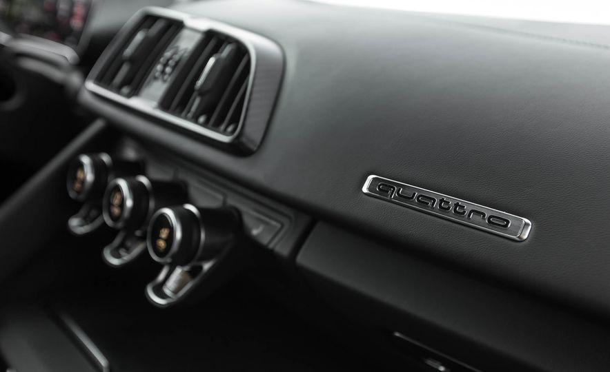 2017 Audi R8 V-10 Plus - Slide 41