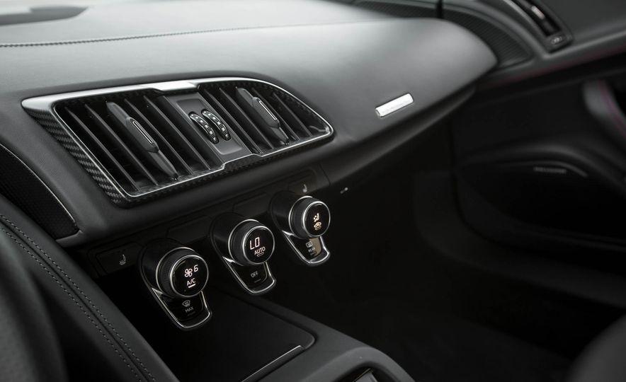 2017 Audi R8 V-10 Plus - Slide 42