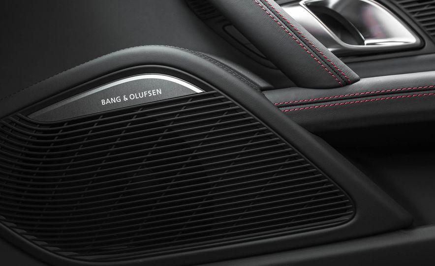 2017 Audi R8 V-10 Plus - Slide 43