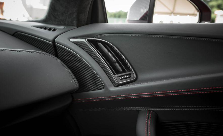 2017 Audi R8 V-10 Plus - Slide 44