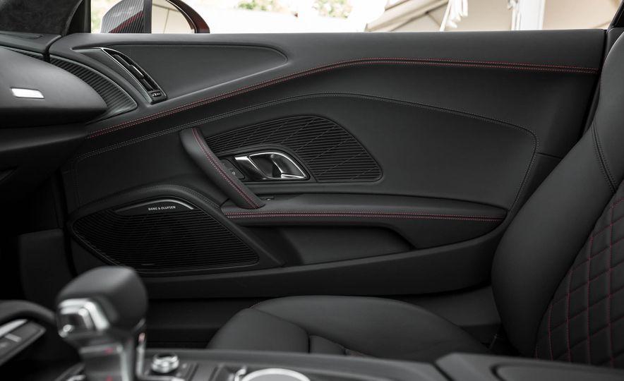 2017 Audi R8 V-10 Plus - Slide 45