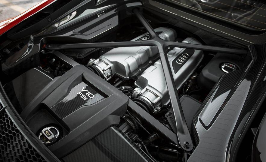 2017 Audi R8 V-10 Plus - Slide 47