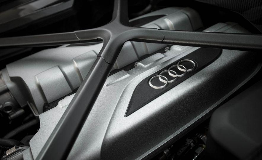 2017 Audi R8 V-10 Plus - Slide 48