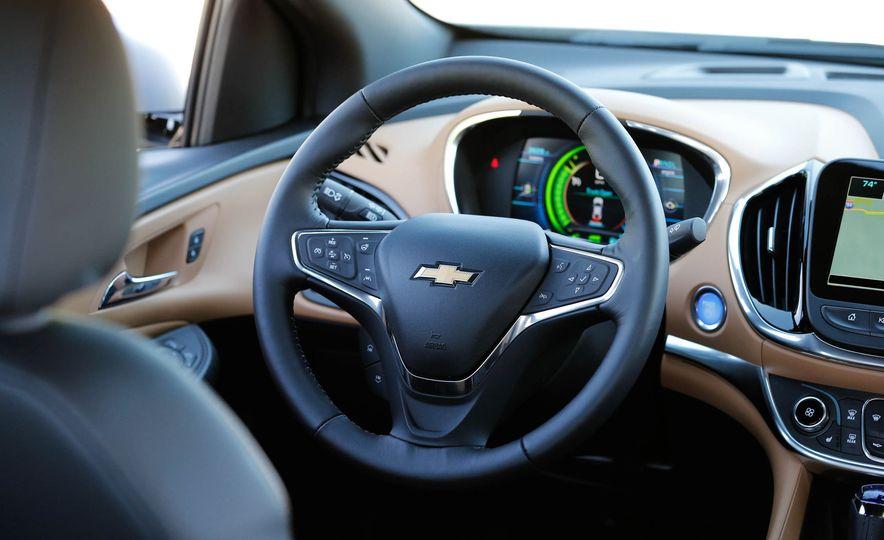 2017 Chevrolet Volt Premier - Slide 23
