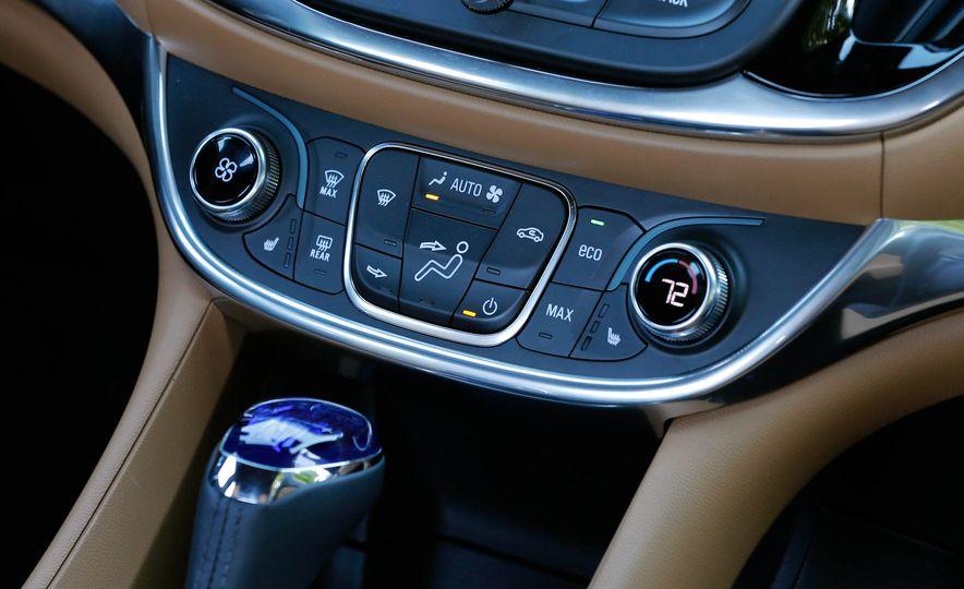 2017 Chevrolet Volt Premier - Slide 26