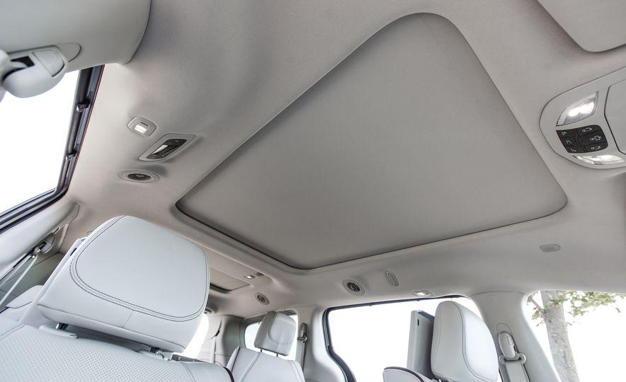 2017 Chrysler Pacifica - Slide 38