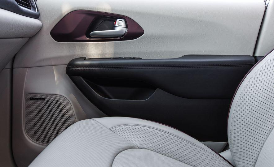 2017 Chrysler Pacifica - Slide 49