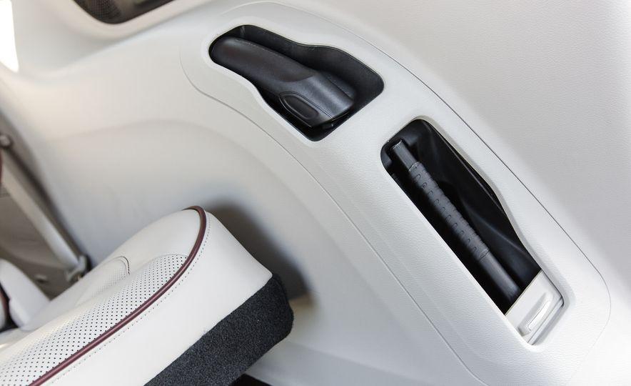 2017 Chrysler Pacifica - Slide 58