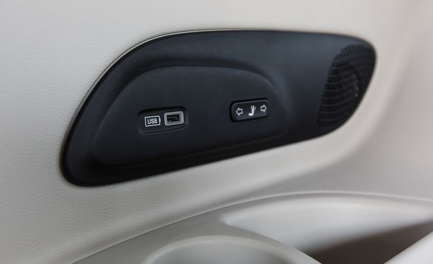 2017 Chrysler Pacifica - Slide 61