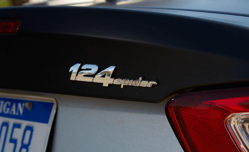 2017 Fiat 124 Spider Abarth - Slide 20