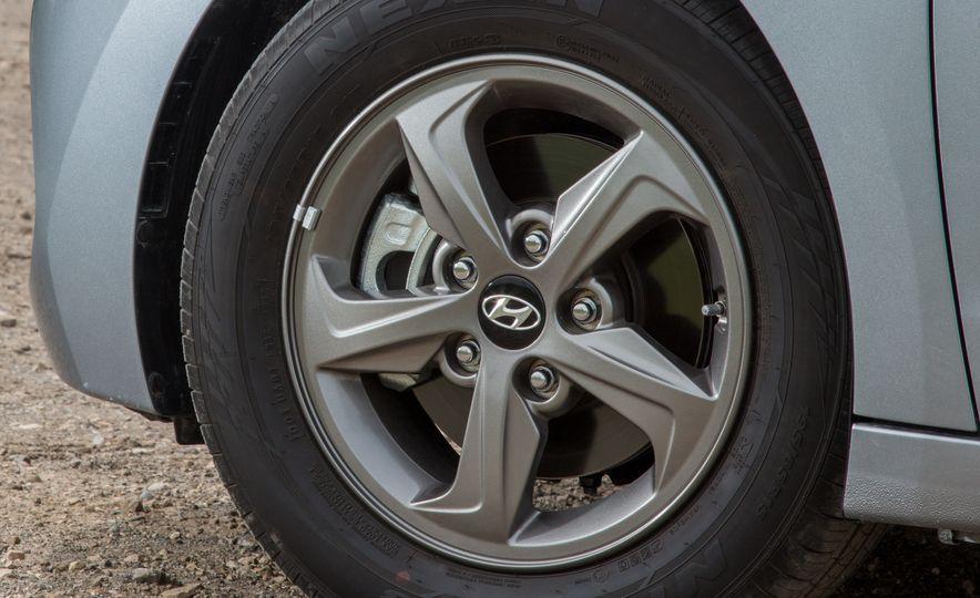 2017 Hyundai Elantra Eco - Slide 12