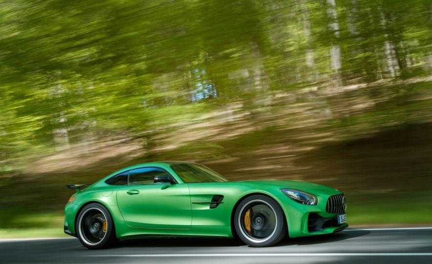 2017 Mercedes-AMG GT R - Slide 1