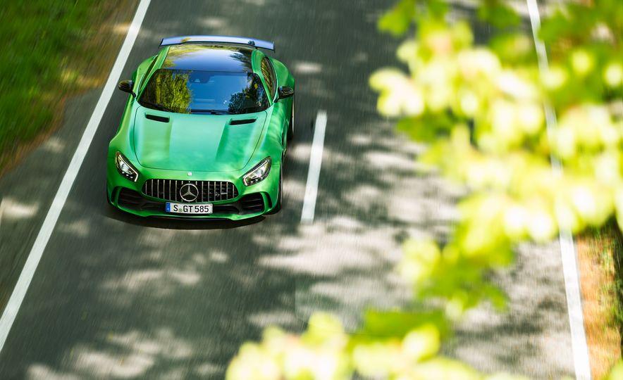 2017 Mercedes-AMG GT R - Slide 5