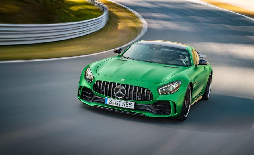 2017 Mercedes-AMG GT R - Slide 7