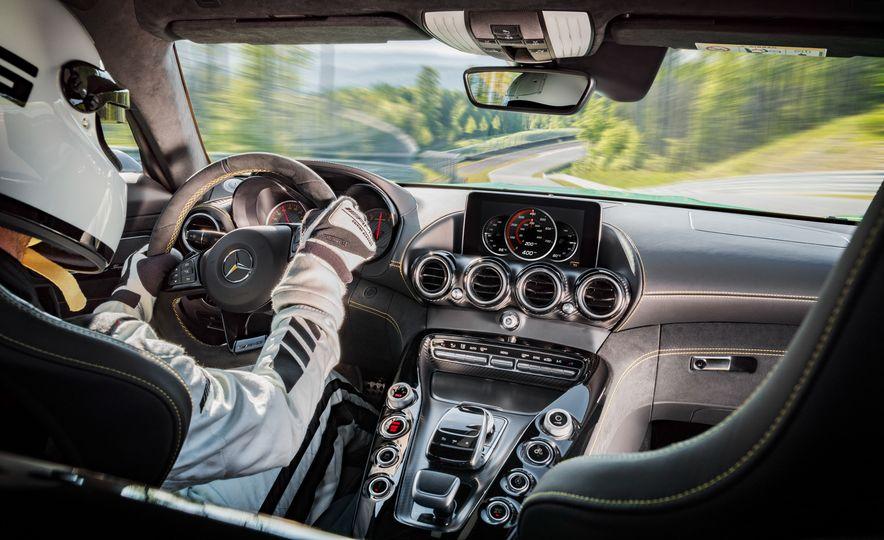 2017 Mercedes-AMG GT R - Slide 17