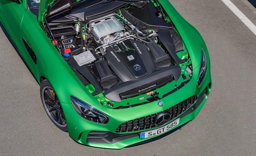 2017 Mercedes-AMG GT R - Slide 18