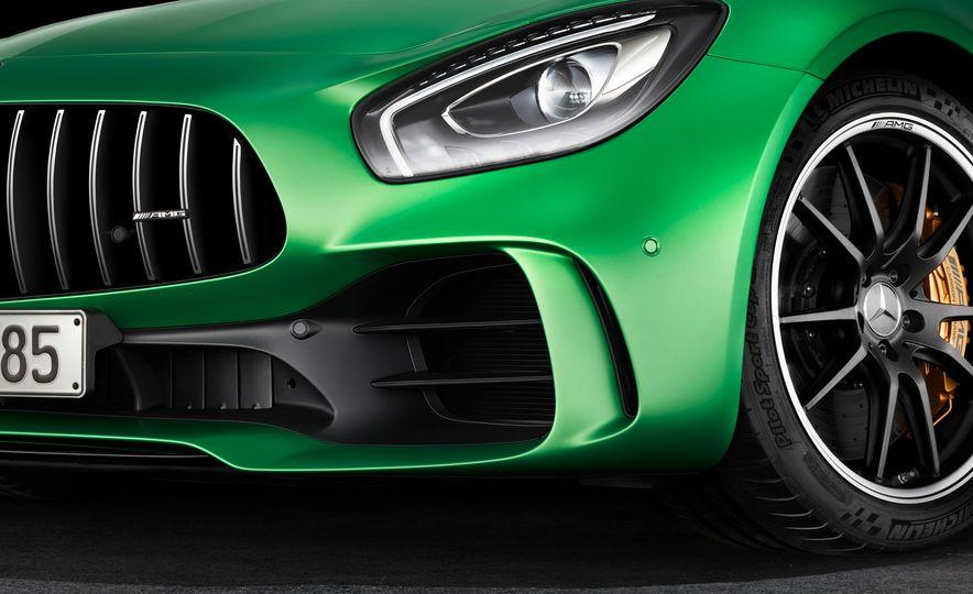 2017 Mercedes-AMG GT R - Slide 25