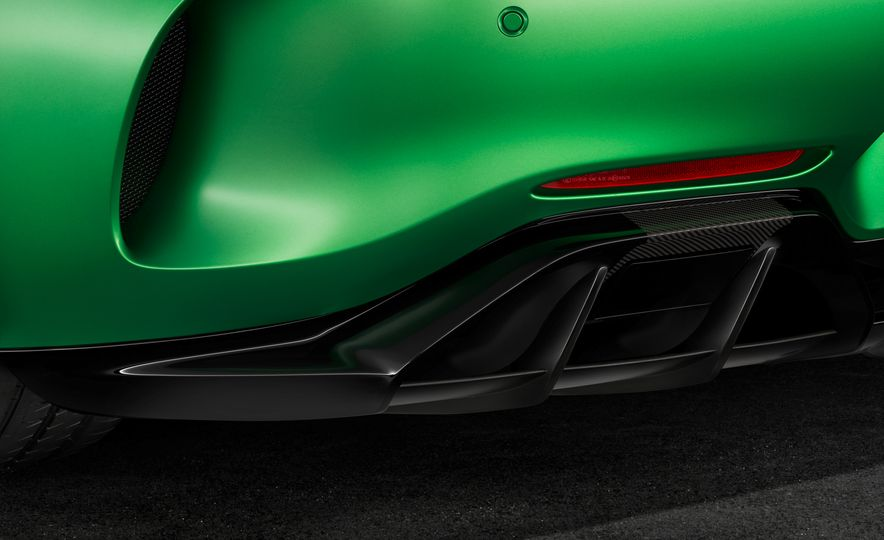2017 Mercedes-AMG GT R - Slide 28