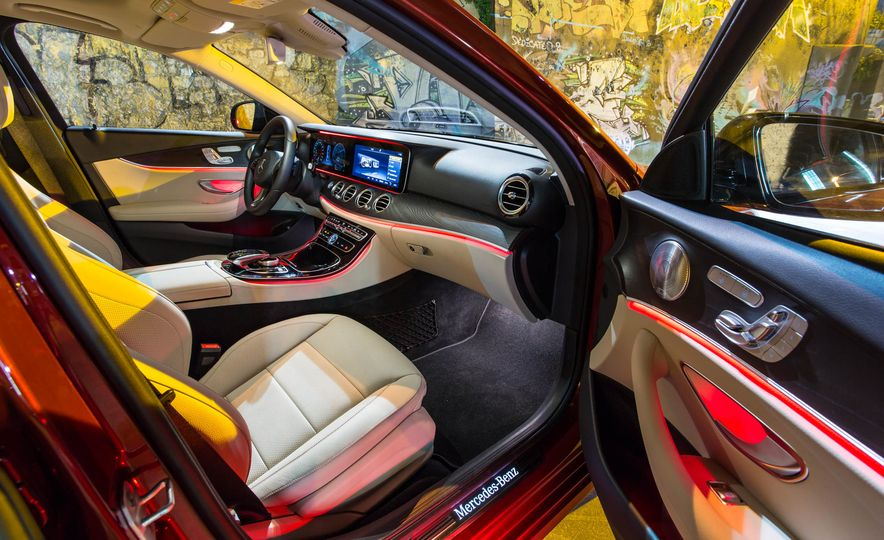 2017 Mercedes-Benz E300 - Slide 30