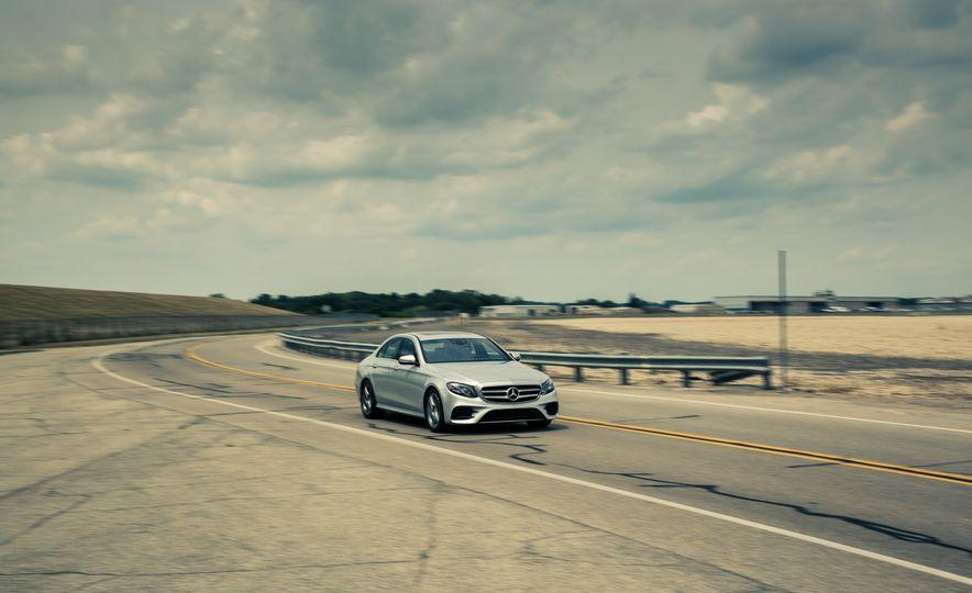 2017 Mercedes-Benz E300 4MATIC - Slide 4