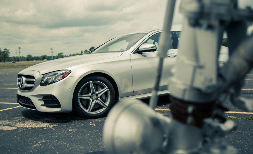 2017 Mercedes-Benz E300 4MATIC - Slide 15