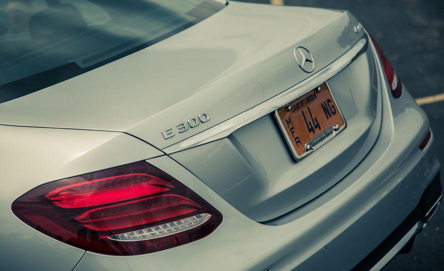 2017 Mercedes-Benz E300 4MATIC - Slide 17